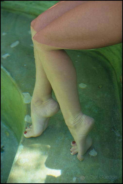 Tall Goddess Feet by stevedietgoedde