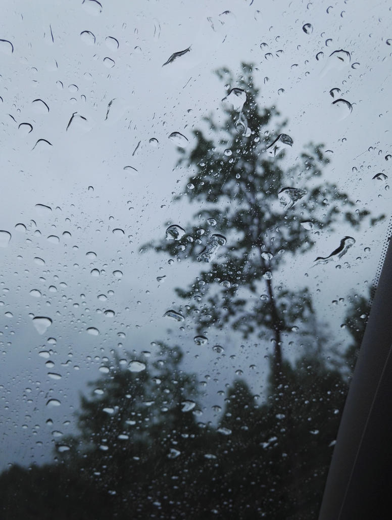 Waterdrops is just the sky's way crying by shewantedtobeperfect