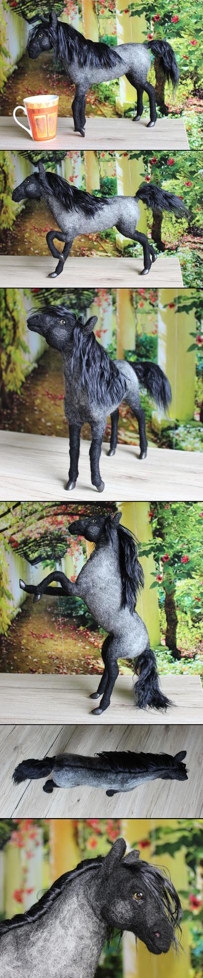 needle felted horse 'Shadif' by Finya-Vardeen