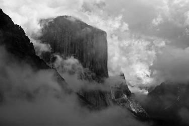 Clouds tickle El Capitan by wrongpixel