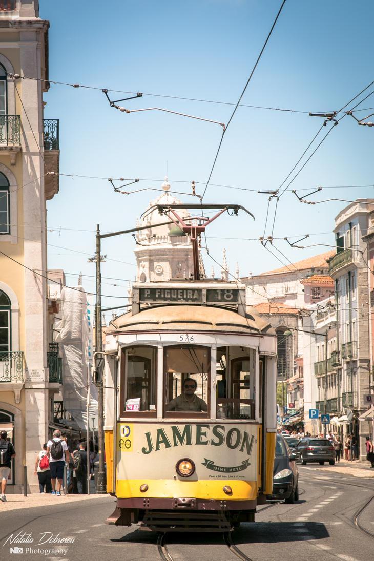 Tram 18 in Lisbon by mydarkeyes
