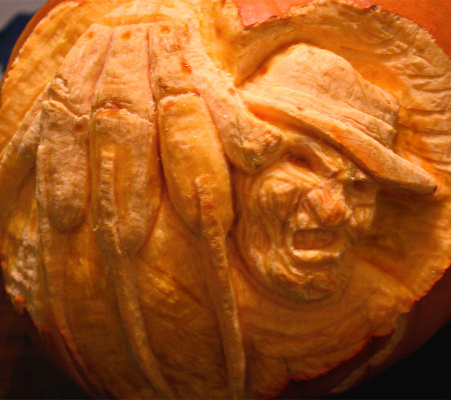 The pumpkin that carves back by ol-skratch