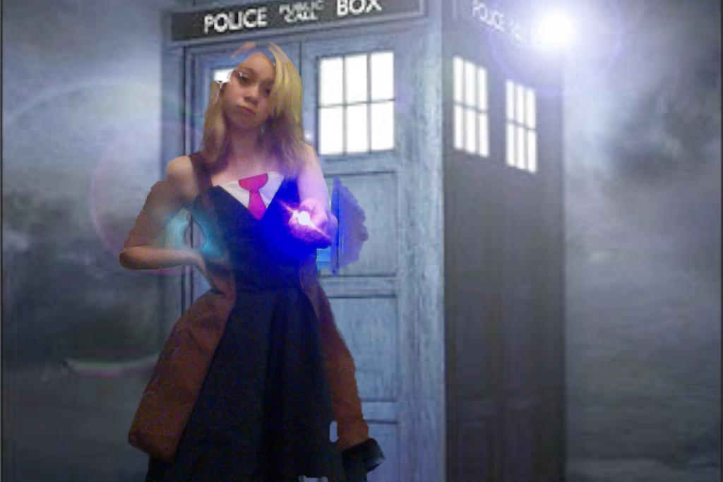 10th Doctor Tardis Tenth doctor by the tardis by