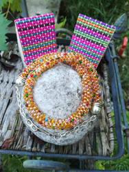 Caramel/Autumn color chunky seed bead necklace by Naidiriv