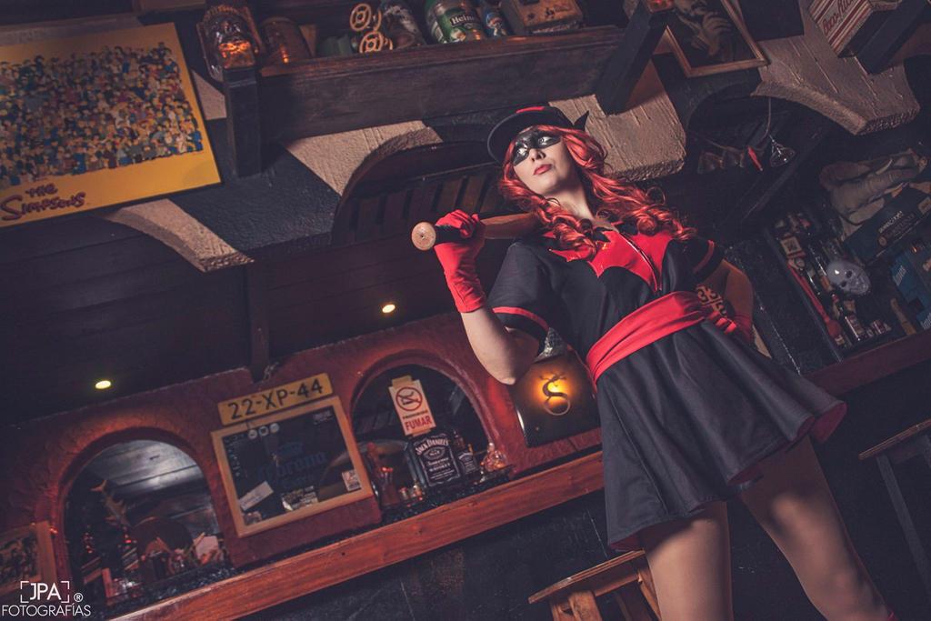 Batwoman Bombshell by AngelLiriel