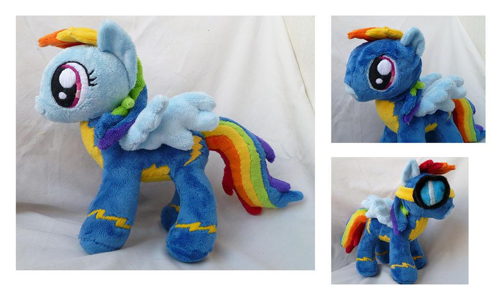Rainbow Dash the Wonderbolt by caashley