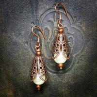 Victorian Pearl Earrings by Llyzabeth