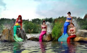 Mermaid sisters splash by Usagi-Tsukino-krv