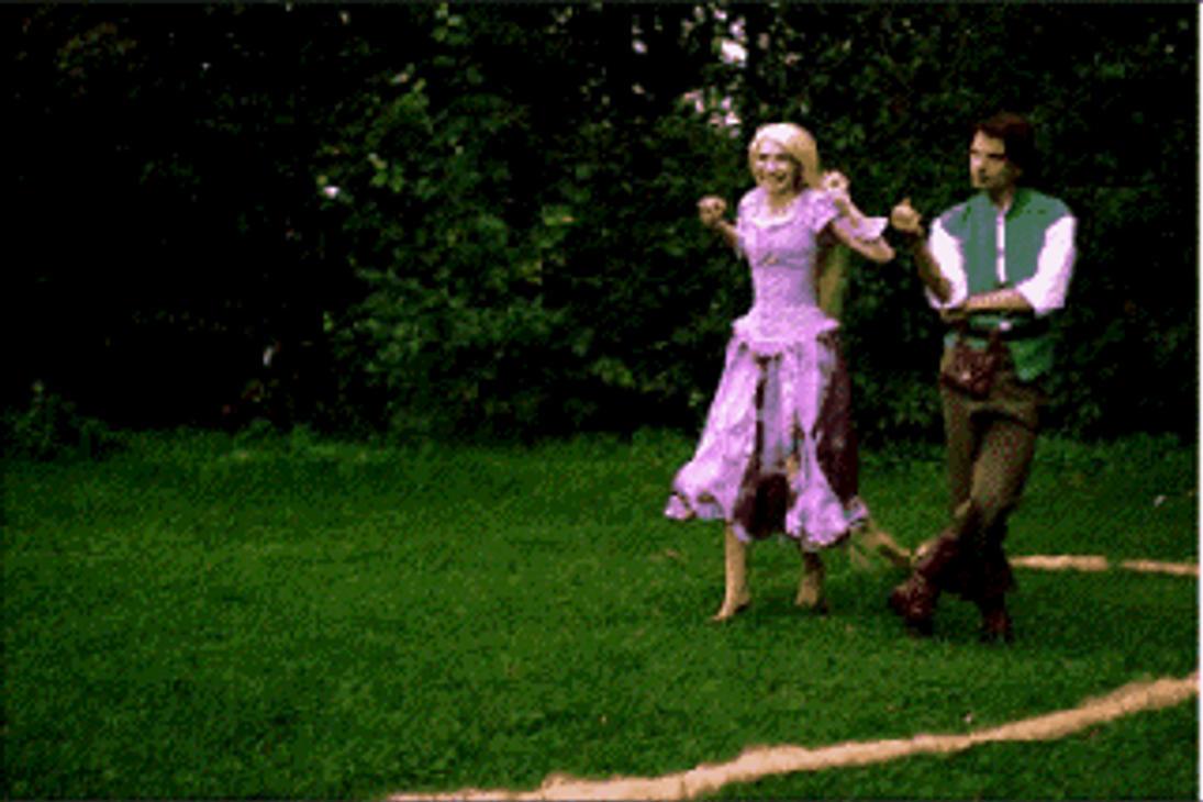 Rapunzel and Flynn action by Usagi-Tsukino-krv