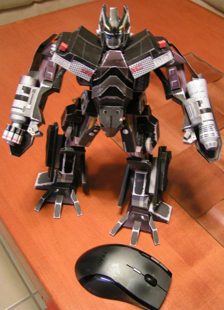 Ironhide - Robot mode by aim11