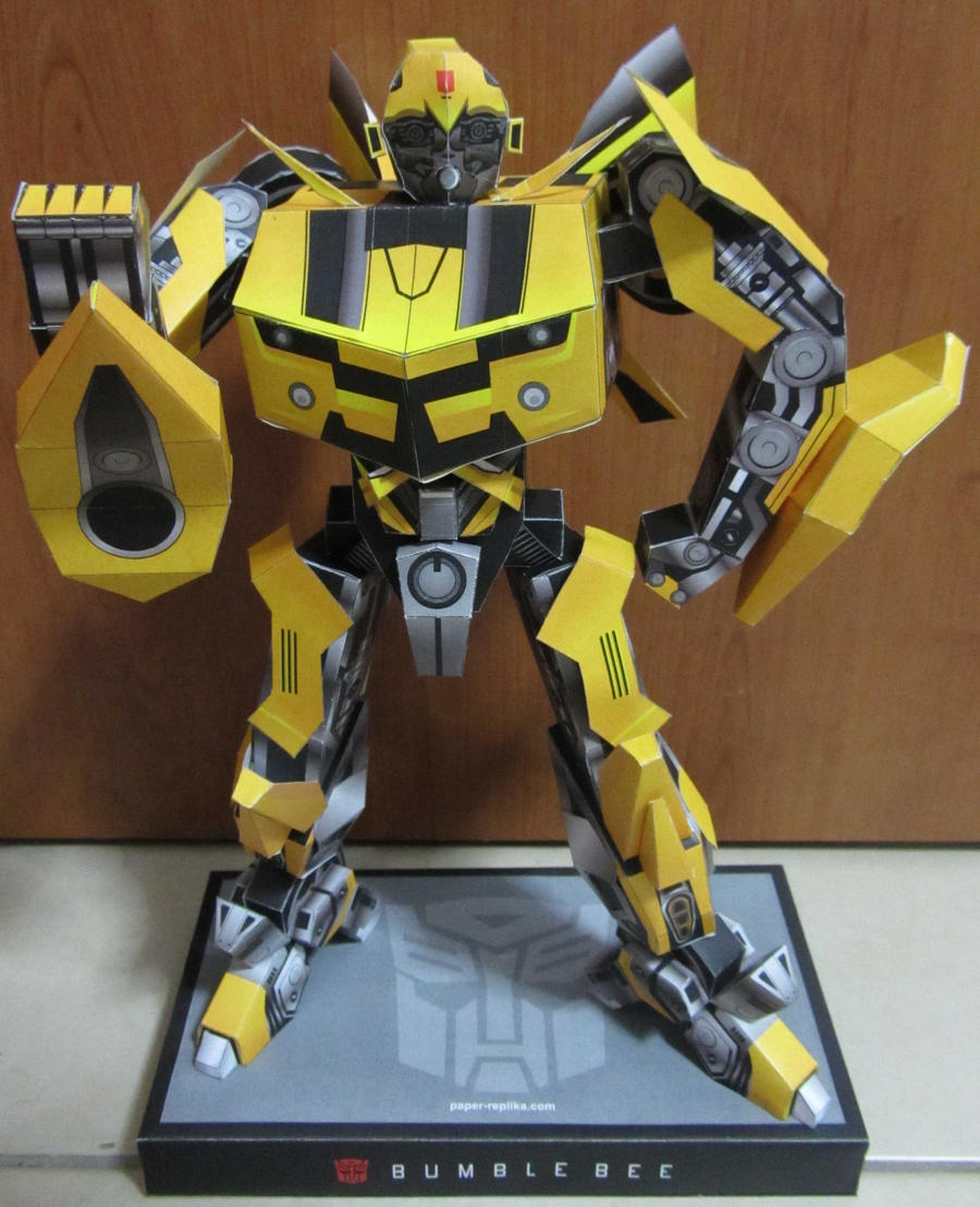 'Simple' Bumblebee by aim11