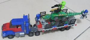 KRE-O A7796 Optimus Prime Dino Hauler (AOE)