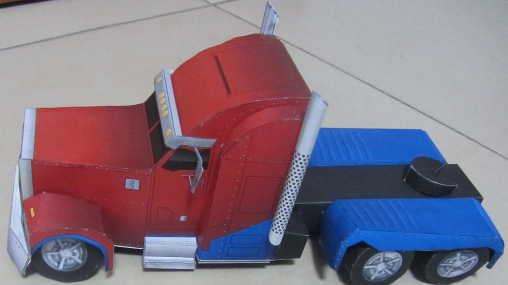 TFP Optimus Prime Vehicle mode by aim11