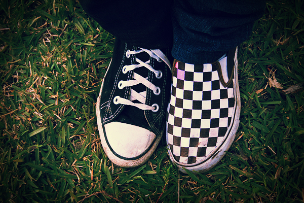 converse vs vans. converse vs vans by mydecember90