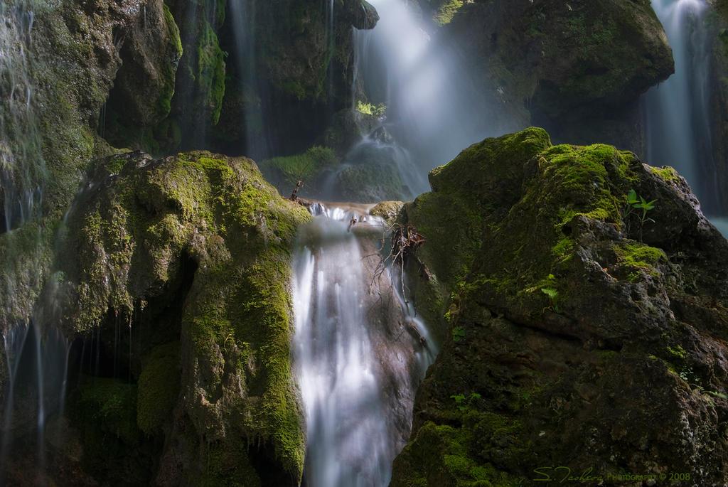 The Waterfall by tangratannakra