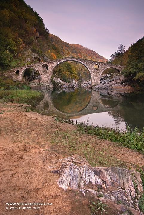 Devil's bridge - Autumn 2009 by tangratannakra