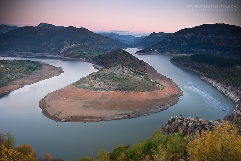 Arda's Meander by tangratannakra