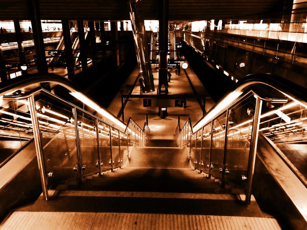 Hauptbahnhof by fleur-de-Lis4444