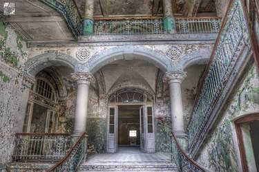 Decay by fleur-de-Lis4444