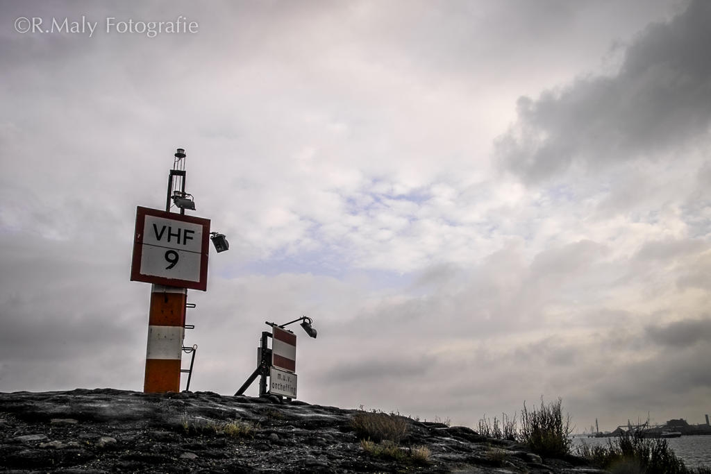 52 shades: no.23. VHF9 : bad weather by TLO-Photography