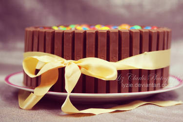 Layer Cake Chocolate and Kit Kat by Lyzie