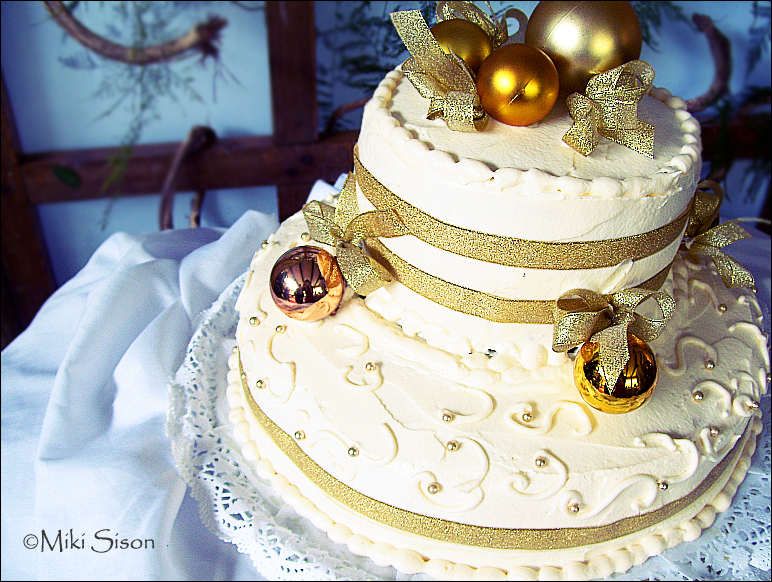 Anniversary Christmas Sweet by mikiikun