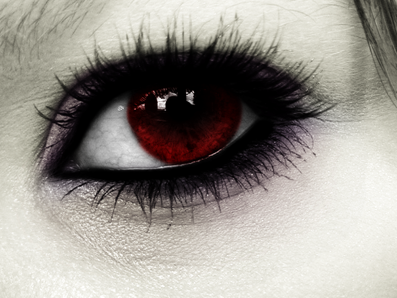 Eye of the Vampire by ZorroArtico