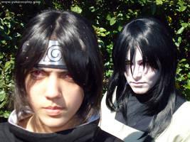 behind Sasuke by Yukilefay