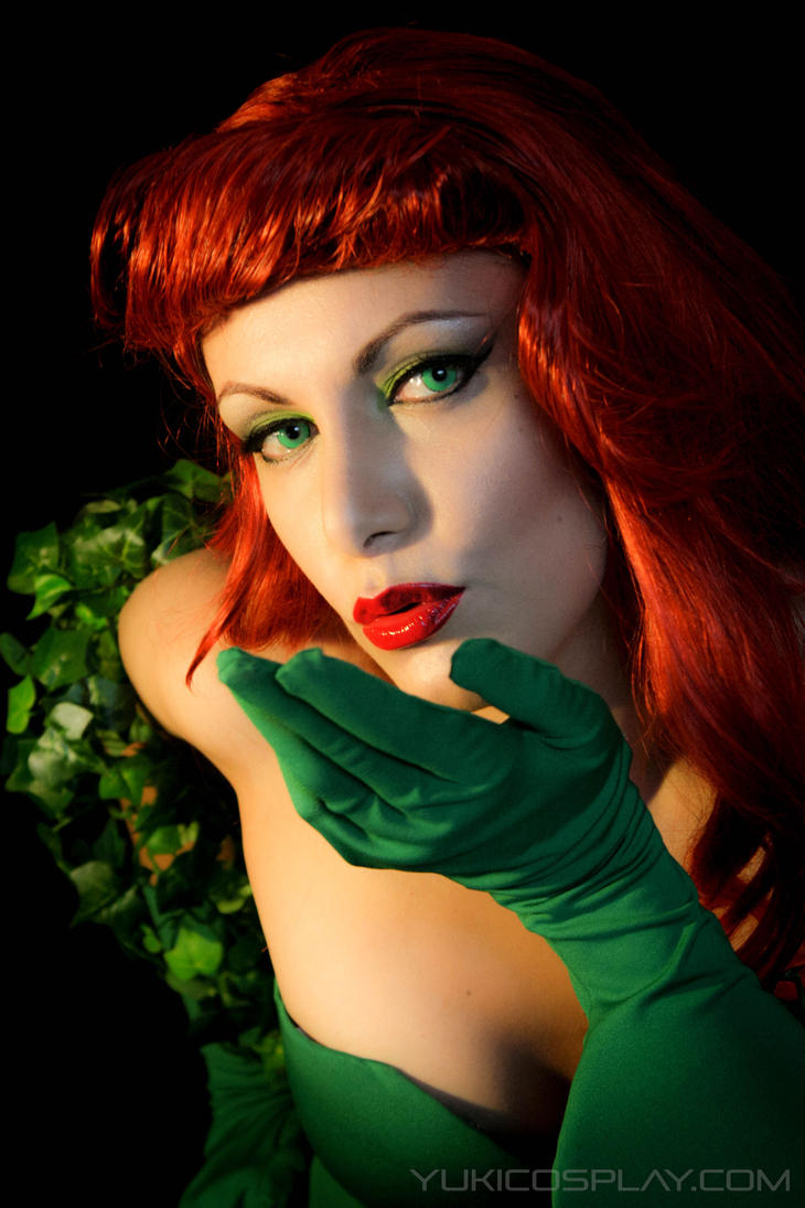 Poison Ivy Cosplay by Yukilefay