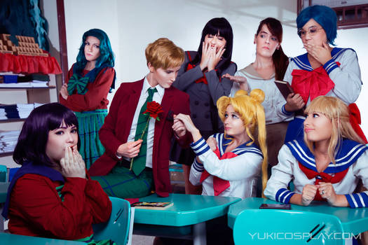 Sailor Moon cosplay - Problems at school