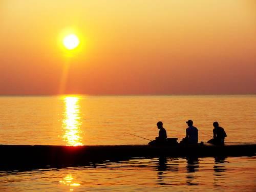 Zalazak sunca-Nebo - Page 2 Fishing_at_Dusk_by_matthew0331