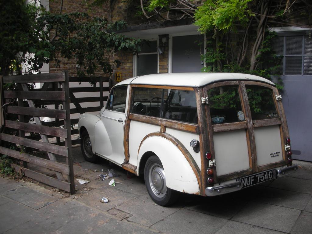 Old car by Ernesto1971