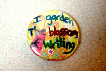 Button: writing by CreativEnergy