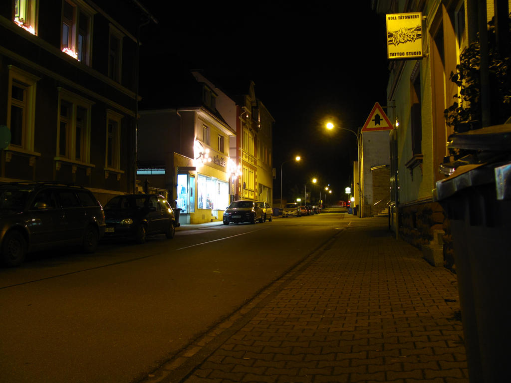 Nighttime Alley - 3/365 2016 by Rylius