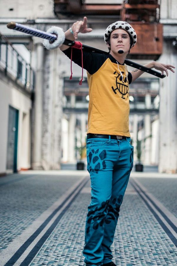 Trafalgar Law Cosplay by Wh1plash on DeviantArt