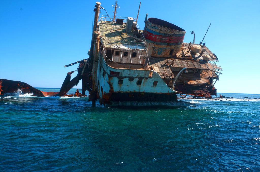 sunken ship sharm el sheikh by Louayr