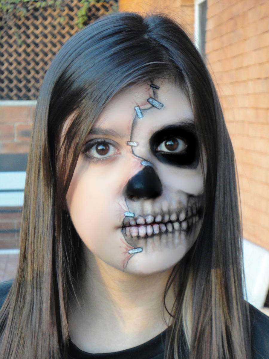 Half Face Skull Makeup by mariana-a on DeviantArt