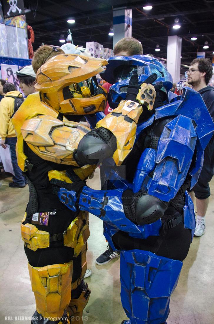 Acen 2013 - Halo Spartans Kiss by Havoc-The-Tenrec