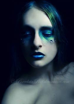 She eyes me like a Pisces..