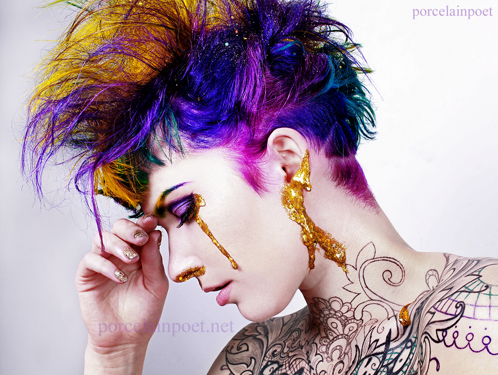 Glitter II by PorcelainPoet