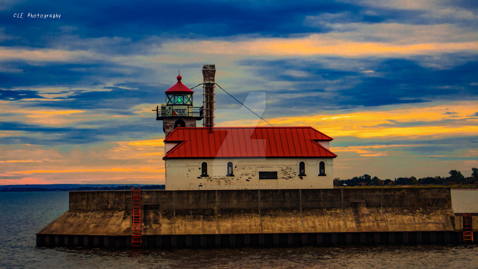 Lighthouse on the pier of duluth