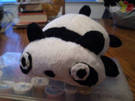 Tare the Panda Plushie by LiLMoon