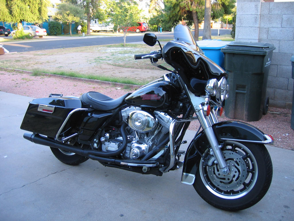 2005 Electra Glide by acurmudgeon