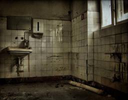 abandoned hospital by Haszczu