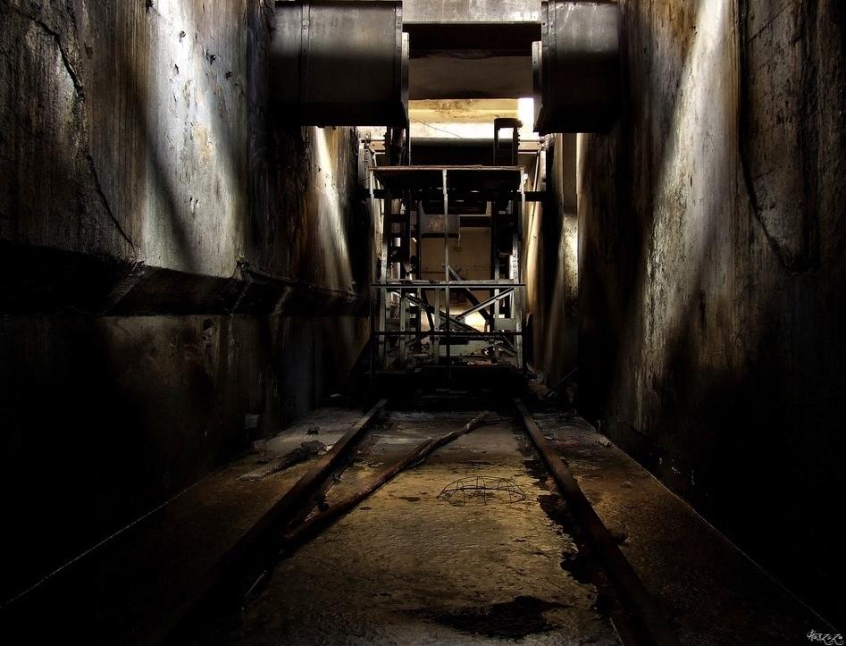 the pit by Haszczu