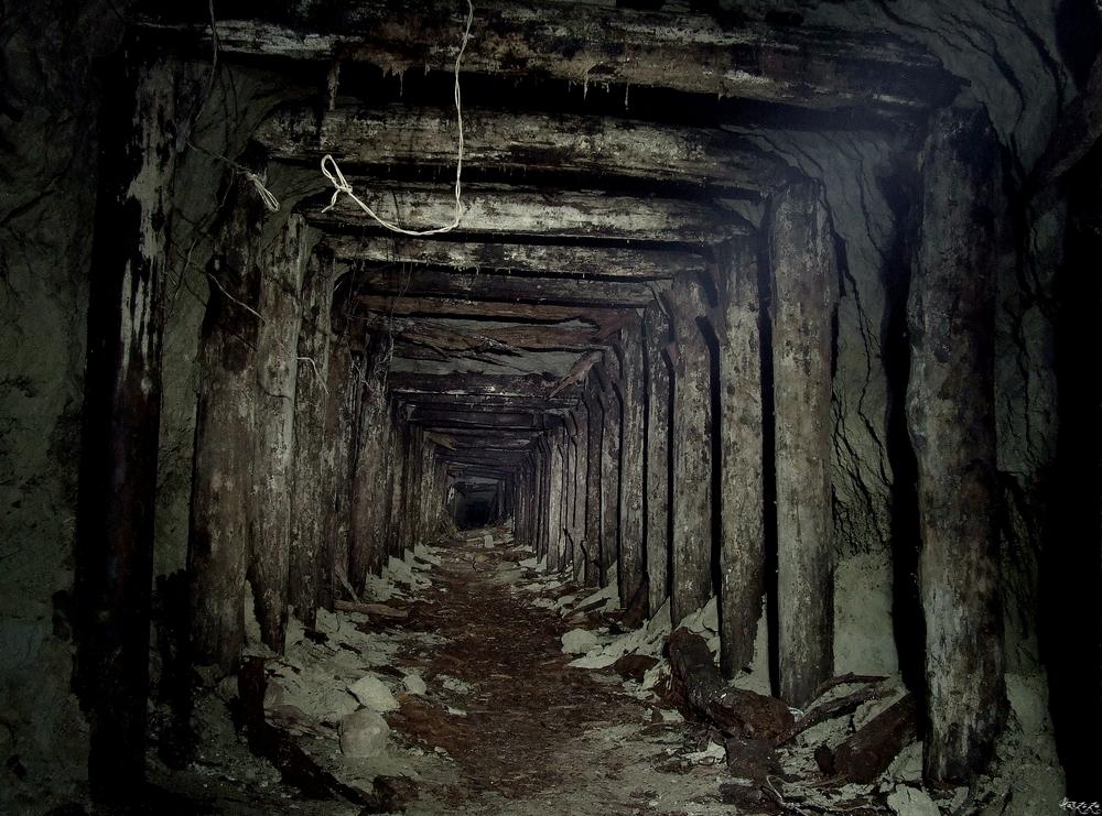 Phosphorite mine II by Haszczu