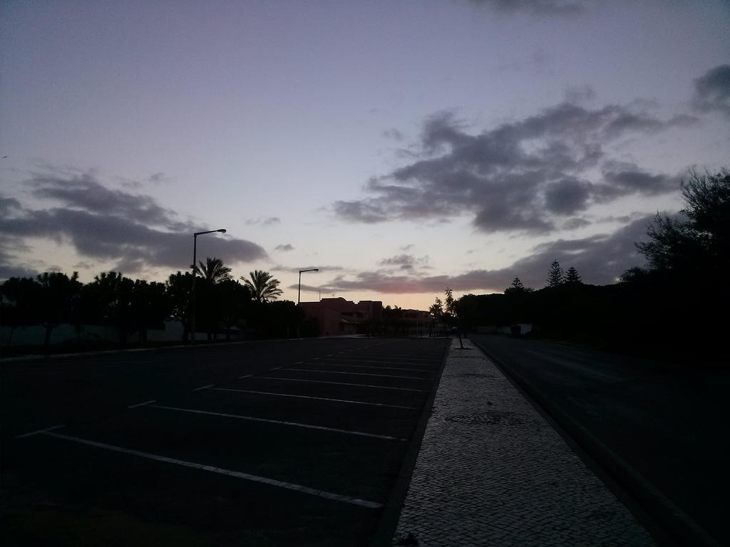 Twlight at 7am by natsukah