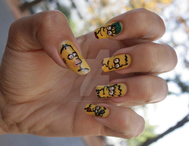 Simpson's nails by HananeMOUJAHID