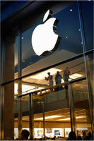 Apple dominates Windows by karlomat
