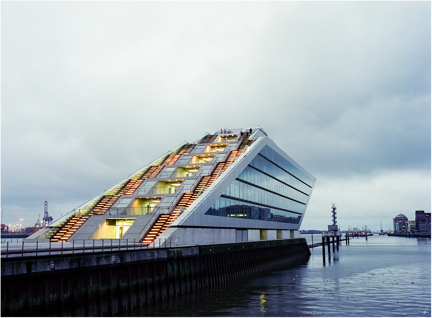Dockland by karlomat
